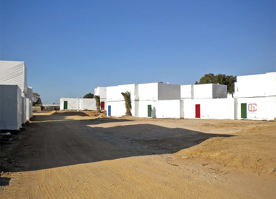 View 02 of the prefabricated modules. 170 Bungalows, Commercial Area and Offices at the Cambrils Park Resort (Cambrils)