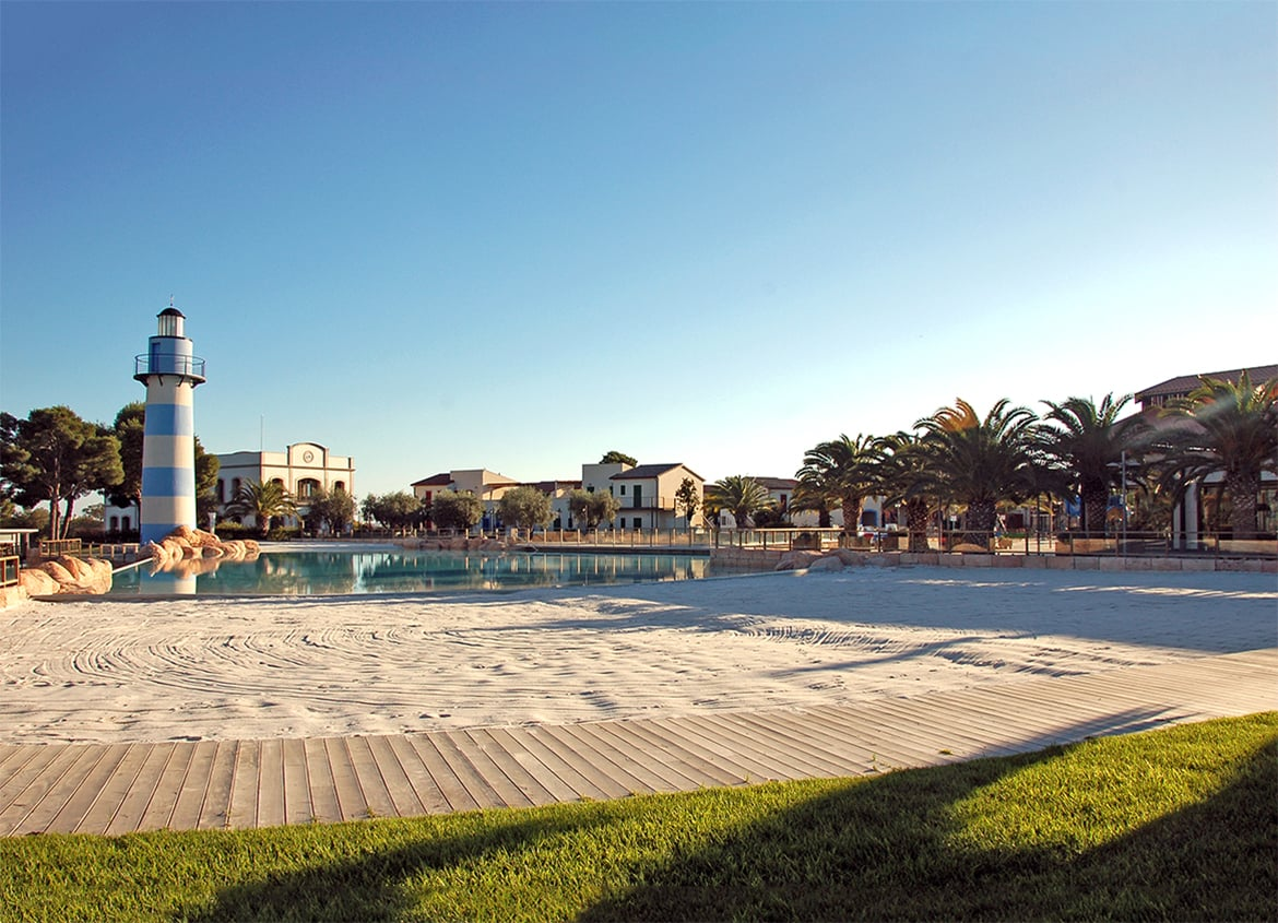 View of the Mediterrània area. 170 Bungalows, Commercial Area and Offices at the Cambrils Park Resort (Cambrils)